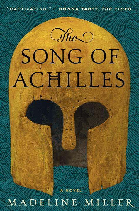 """2. The Song of Achilles, Madeline Miller - Hoewel het verhaal van de Trojaanse oorlog en Achilles' rol bekend zijn, blaast Miller ze nieuw in met The Song of Achilles leven in en maakt Patroclus de verteller van het verhaal. In een vloeiend ritme waarbij aandacht is voor Patroclus' emoties, vragen en verwachtingen, ervaart de lezer pijn, liefde, hoop, verwachting, angst, verdriet, en blijdschap.Favoriete quote: """"He is a weapon, a killer. Don't forget it. You can use a spear as a walking stick, but that will not change its nature."""""""