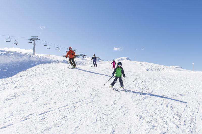 Skispaß für Klein und Groß im Familienskigebiet Sonnenkopf (c) Alex Kaiser - Klostertal Tourismus.jpg