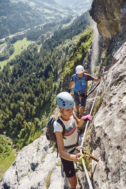 Blick ins Tal vom Klettersteig Fallbach (c) Alex Kaiser - Alpenregion Bludenz Tourismus GmbH.jpg