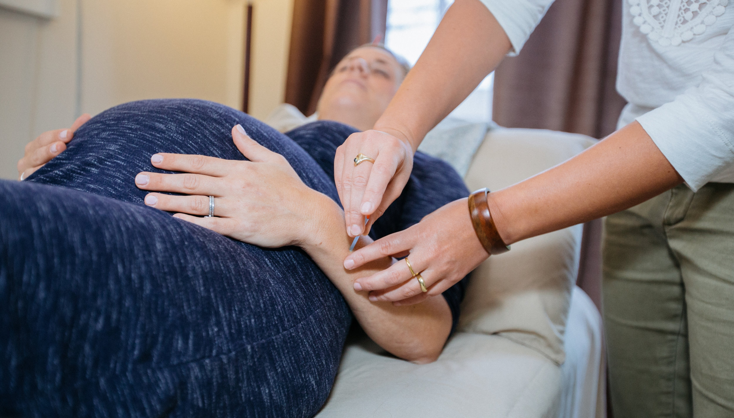 Acupuncture - At Seaside Family Acupuncture, we draw from ancient medicine, modern practices and research to offer you the most natural, safe and effective acupuncture. Each session is individually tailored to your needs with a holistic approach to your well-being.