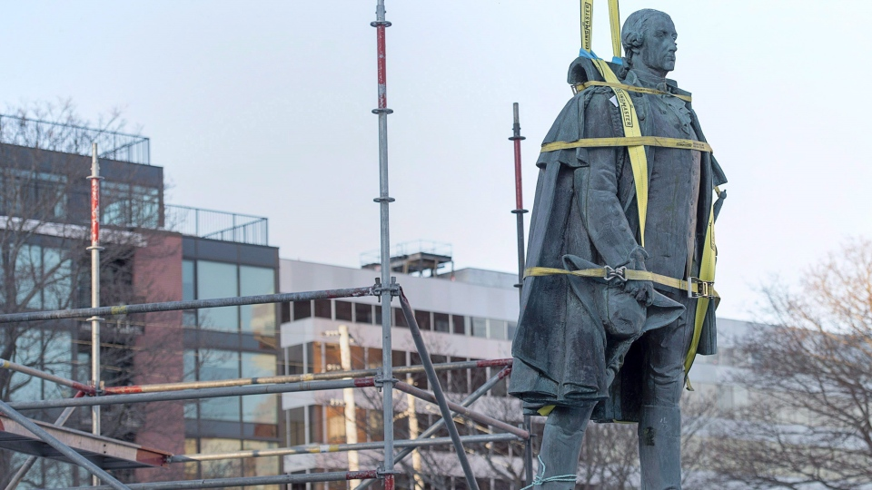 The removal of a statue of Edward Cornwallis, from Halifax (Craig Paisley/CBC)
