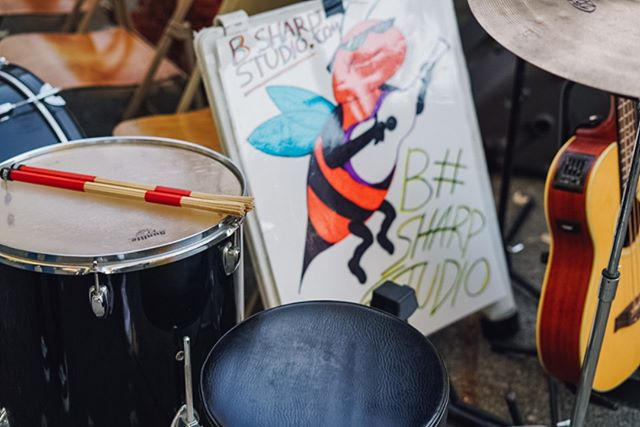 Part of the soundtrack of the #fauntleroyfallfestival is provided by the talented students of B Sharp Studio!  Photo from our 2018 festival by our #westseattle neighbor Danielle Raney Photography  #seattleevents #communityevents