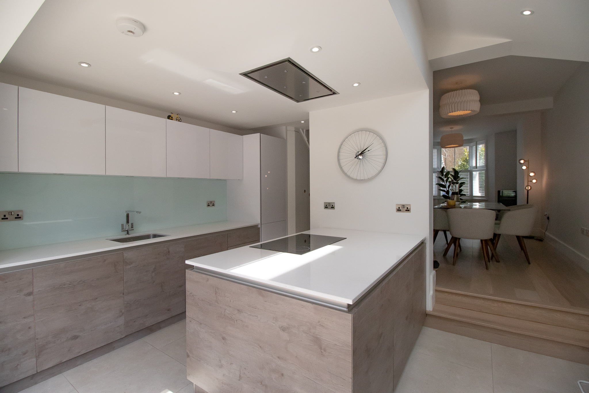 WHITE KITCHEN, WOOD, EXTRACTOR FAN, INDUCTION HOB, RENOVATION, KITCHEN REFURBISHMENT.jpg