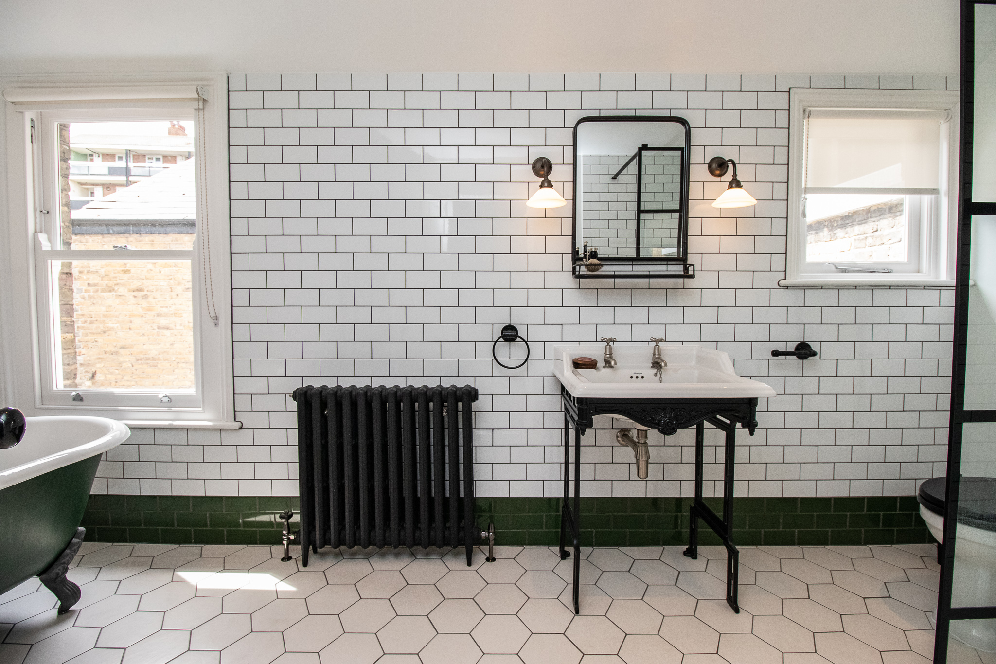 VICTORIAN BATHROOM, IRON SINK, IRON RADIATOR, BLACK RADIATOR, CLAW FOOT BATH TUB.jpg