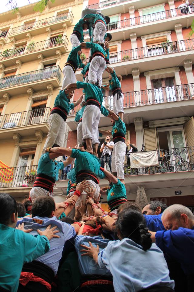 stock-photo-teamwork-barcelona-team-castellers-castell-poble-sec-team-work-human-tower-1f63ed21-cbc4-40ac-807b-f4146f602984.jpg