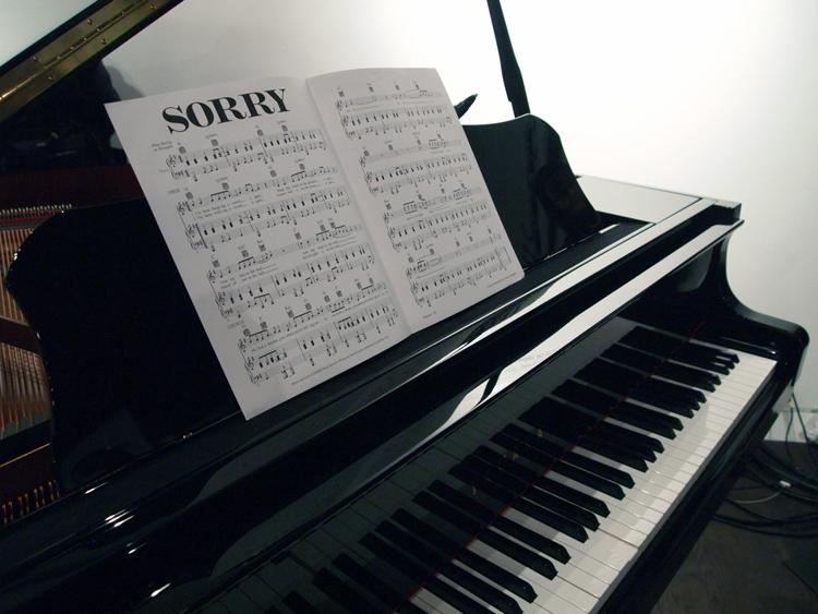 05_Self-Playing-Piano_o.jpg