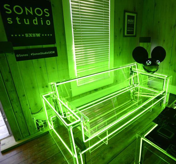 13_Glowing_Furniture_o.jpg