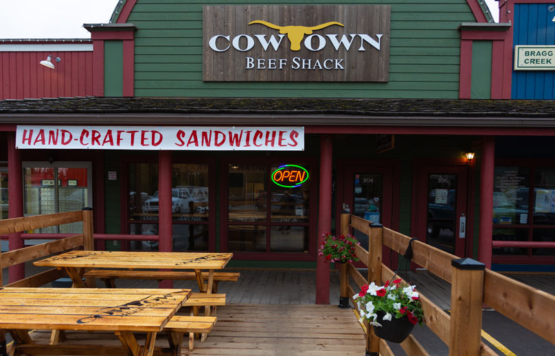 Welcome to Cowtown Beef Shack - Come enjoy our delicious food and craft beer on our sunny patio.