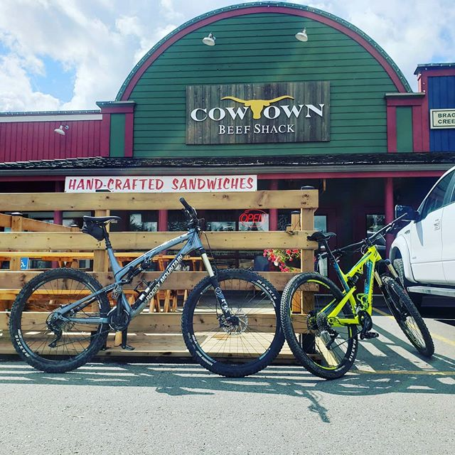 Next time your out riding in west bragg. Make sure you come try one of our delicious sandwiches and local craft beer! 🐂🐷🥪🍻 . . . . . . . . #cowtownbraggcreek #westbraggcreektrails #yycfitness #braggcreektrails #smokedmeat #yyccraftbeer #bigsandwiches