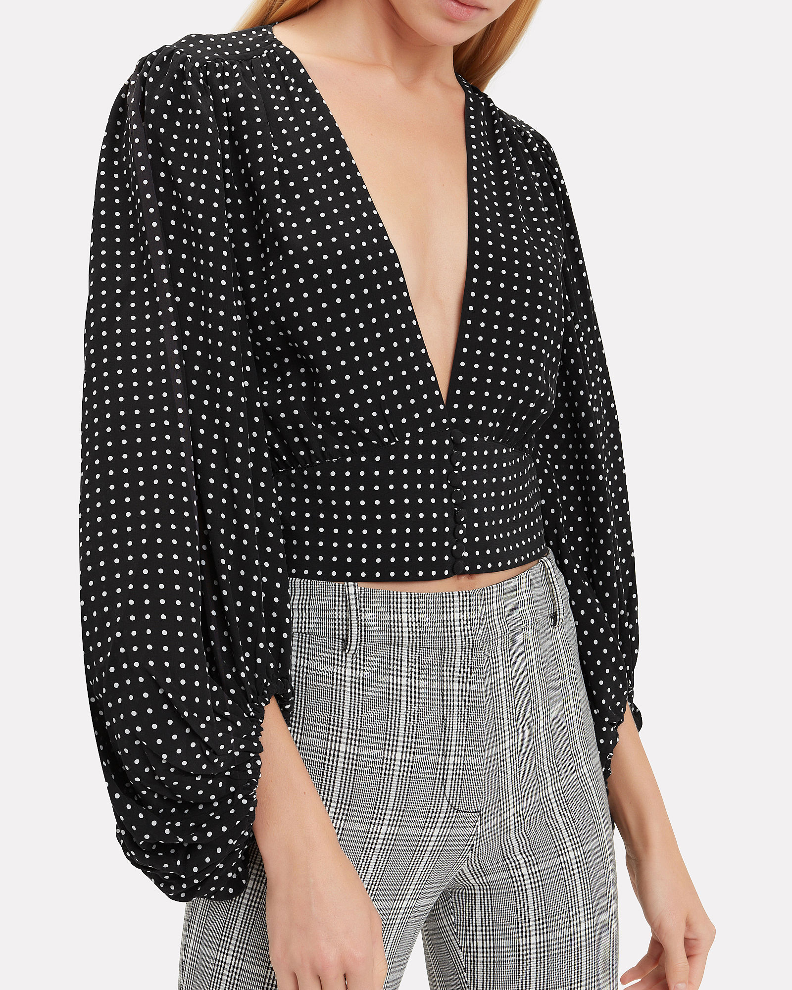 1. Must-have tops - From Monday to Sunday, this top will take you everywhere.