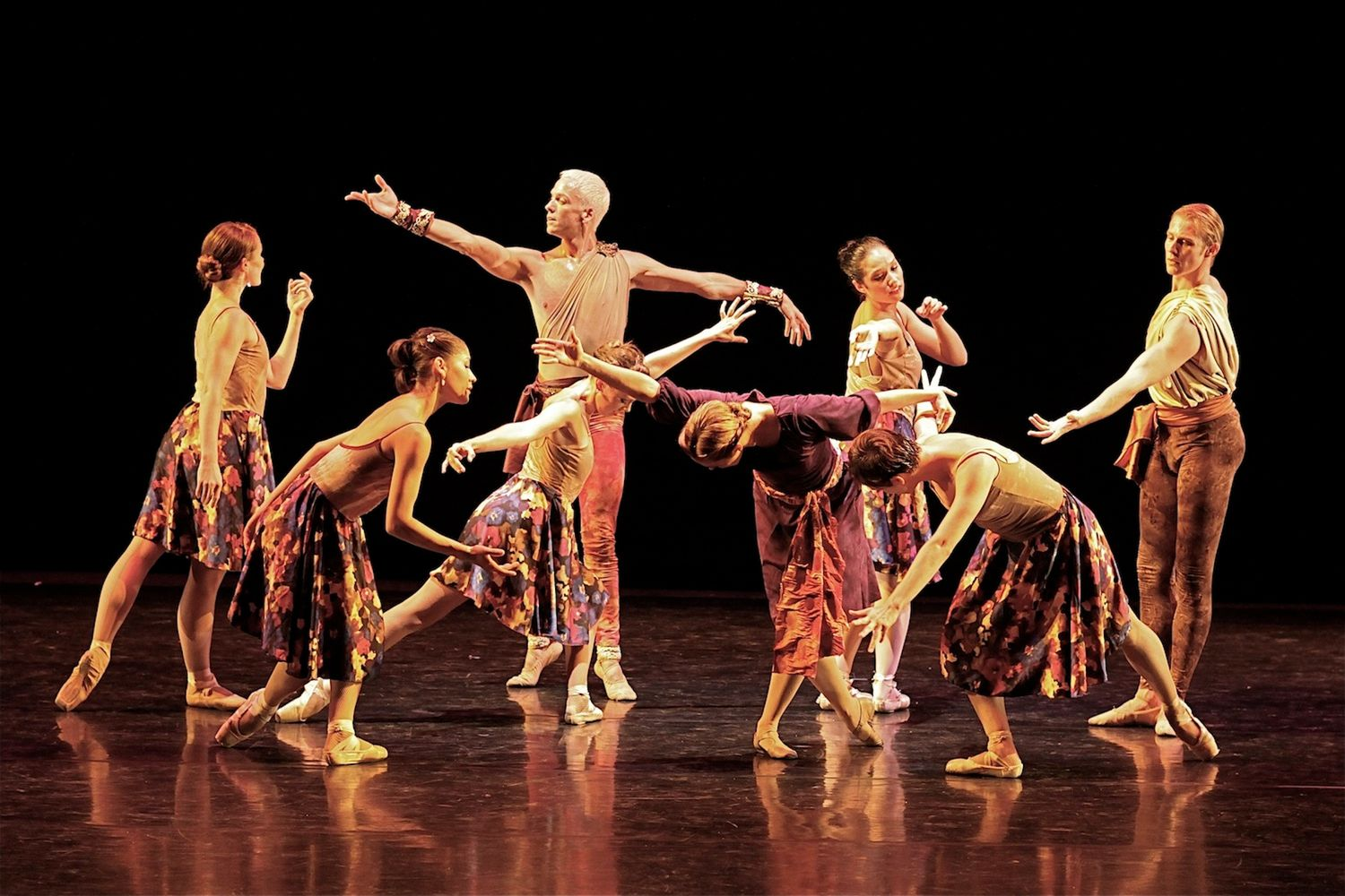 Luminario Ballet is also at the forefront of the synergy happening between aerial and dance.