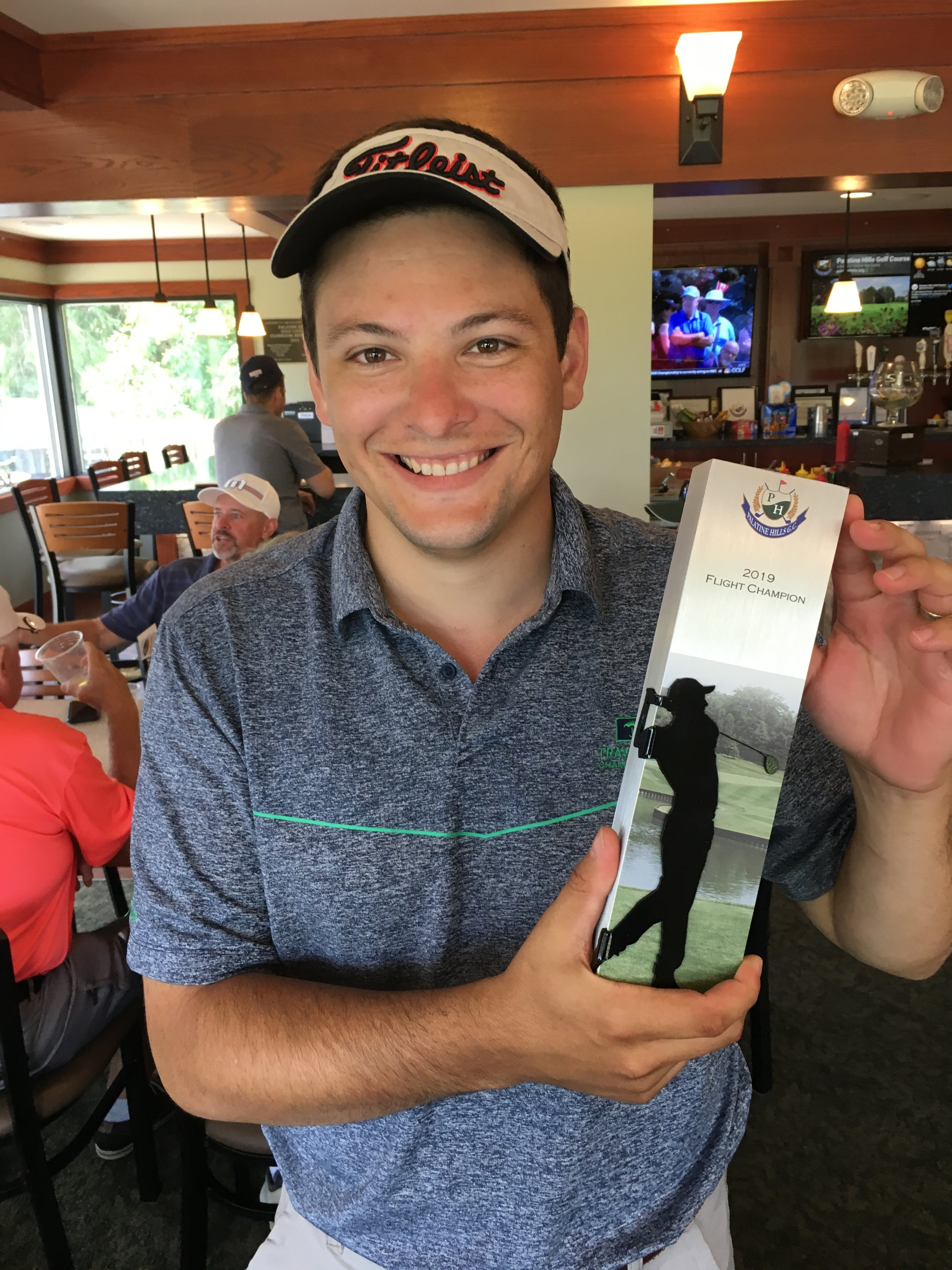 Ron Haduch Wins 1st Flight Palatine Hill Champ.JPG