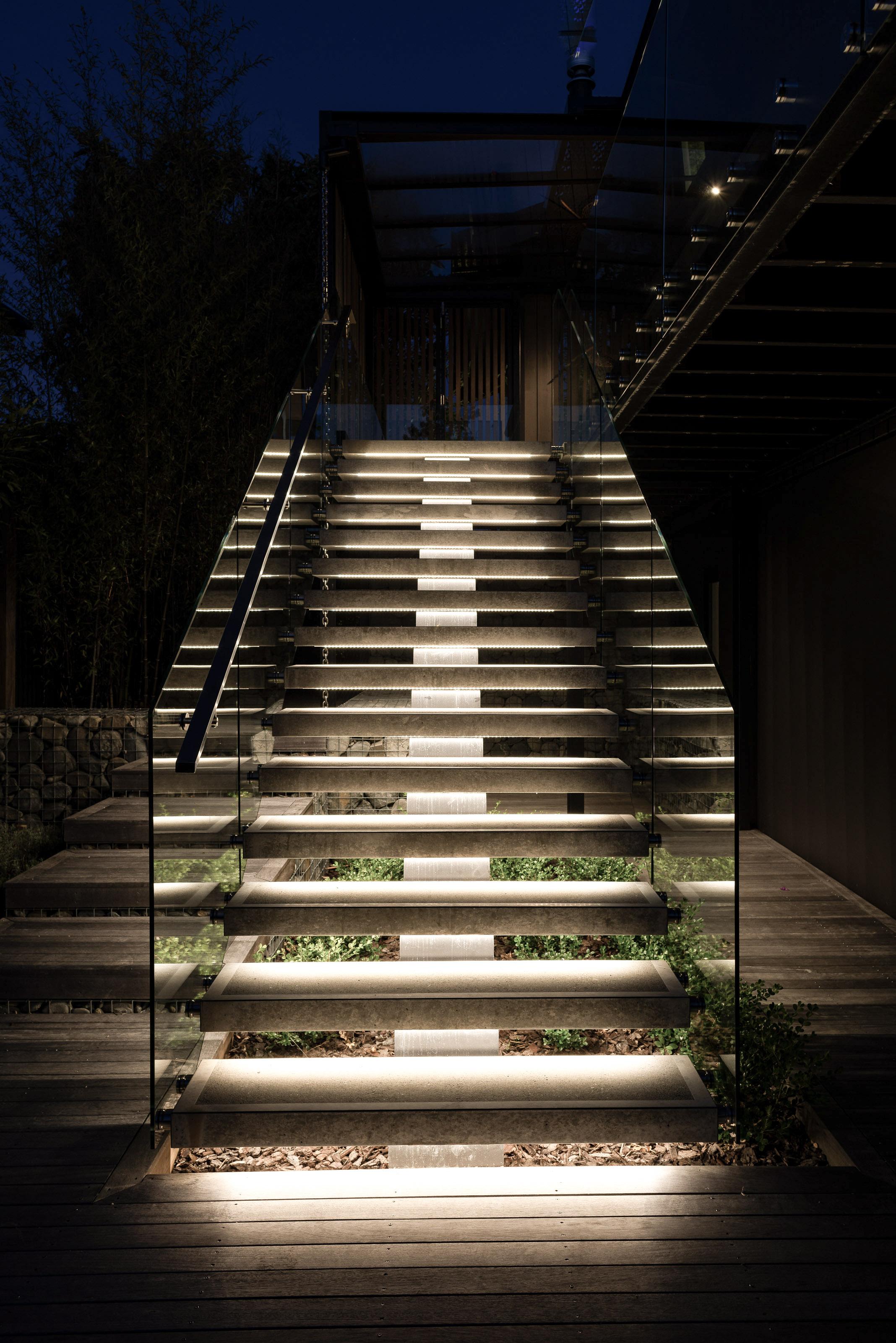 STAIRS_72.jpg