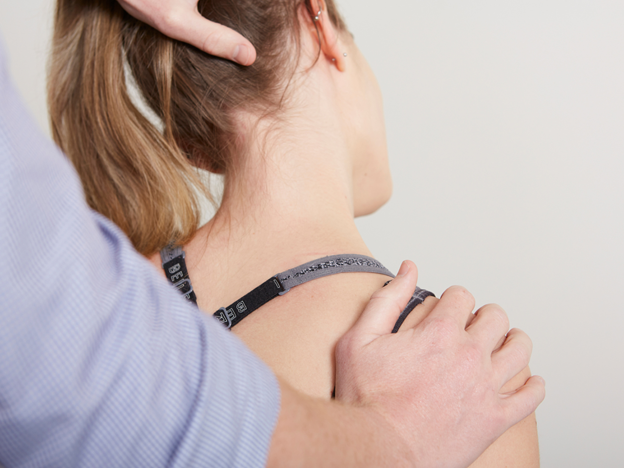 Normal neck function is essential for protection of the spinal nerves and effective use of the senses.Neck pain and loss of function are often caused by altered muscle control and stiffness in the neck joints. -