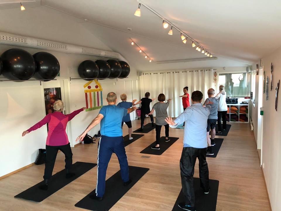 Yoga med senterleder Inger Lise