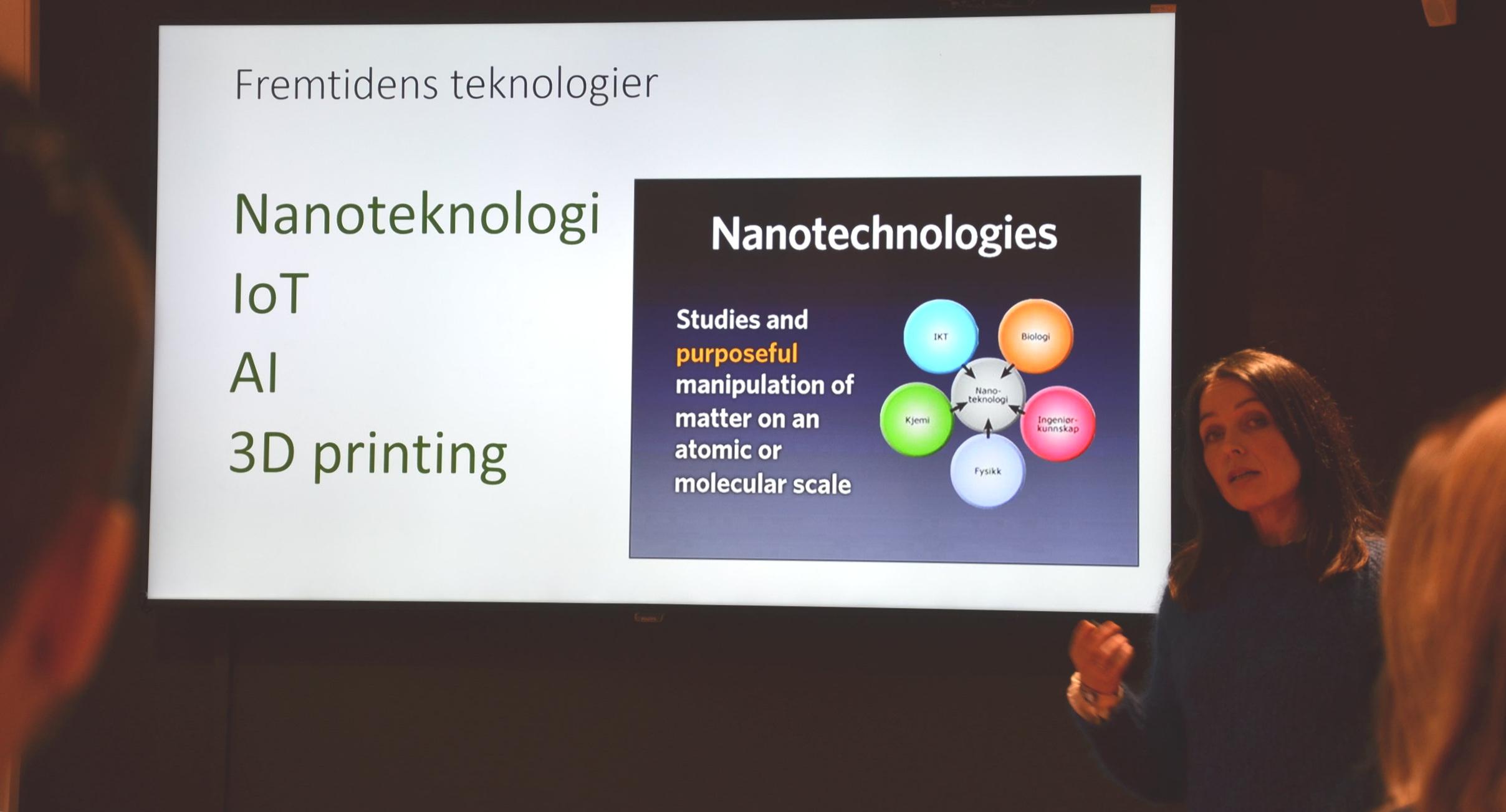 Liv-Hege Seglsten, leder for TenkiKuben, presenterte ulike teknologier og forretningsmodeller for deltagerne. Framtidsscenarier som strategisk verktøy fikk også plass på årets første samling.