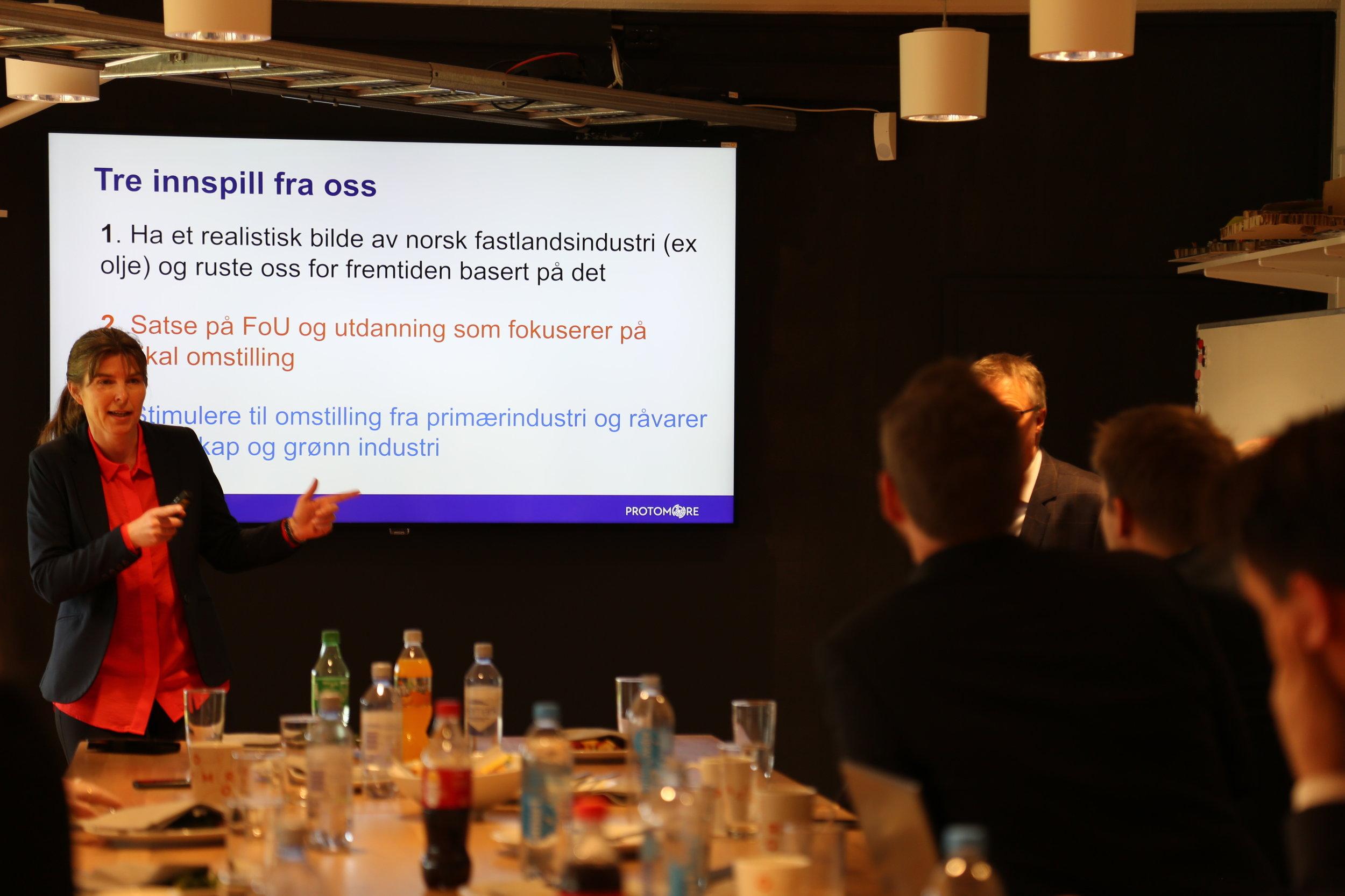 Hilde Aspås, daglig leder i NCE iKuben ga tre innspill som ministerne tar med seg videre.
