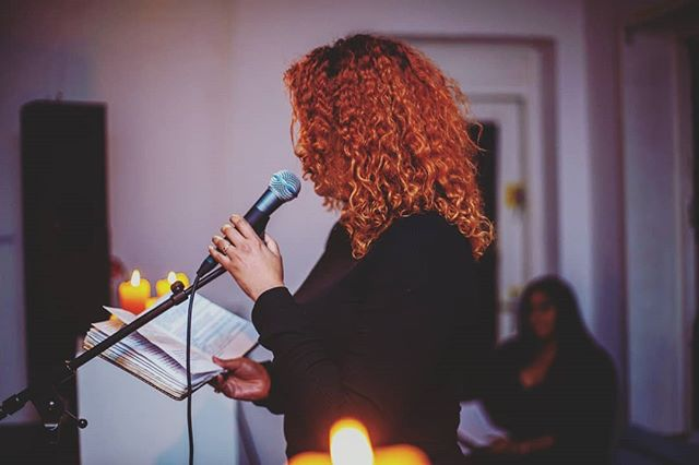 I wrote a love letter because I fell in love with a girl, and that girl was me #oneminutejournal #heesterveldcreativecommunity #museumnacht #poetry #spokenword 📸 @qmic