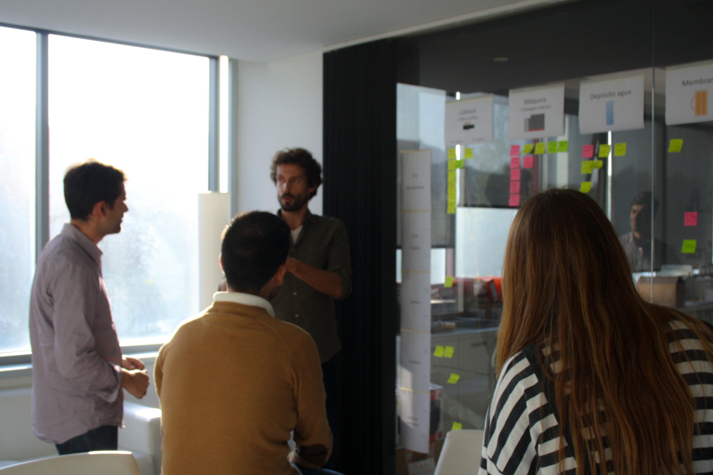 nosotros-team-brainstorming-design.jpg