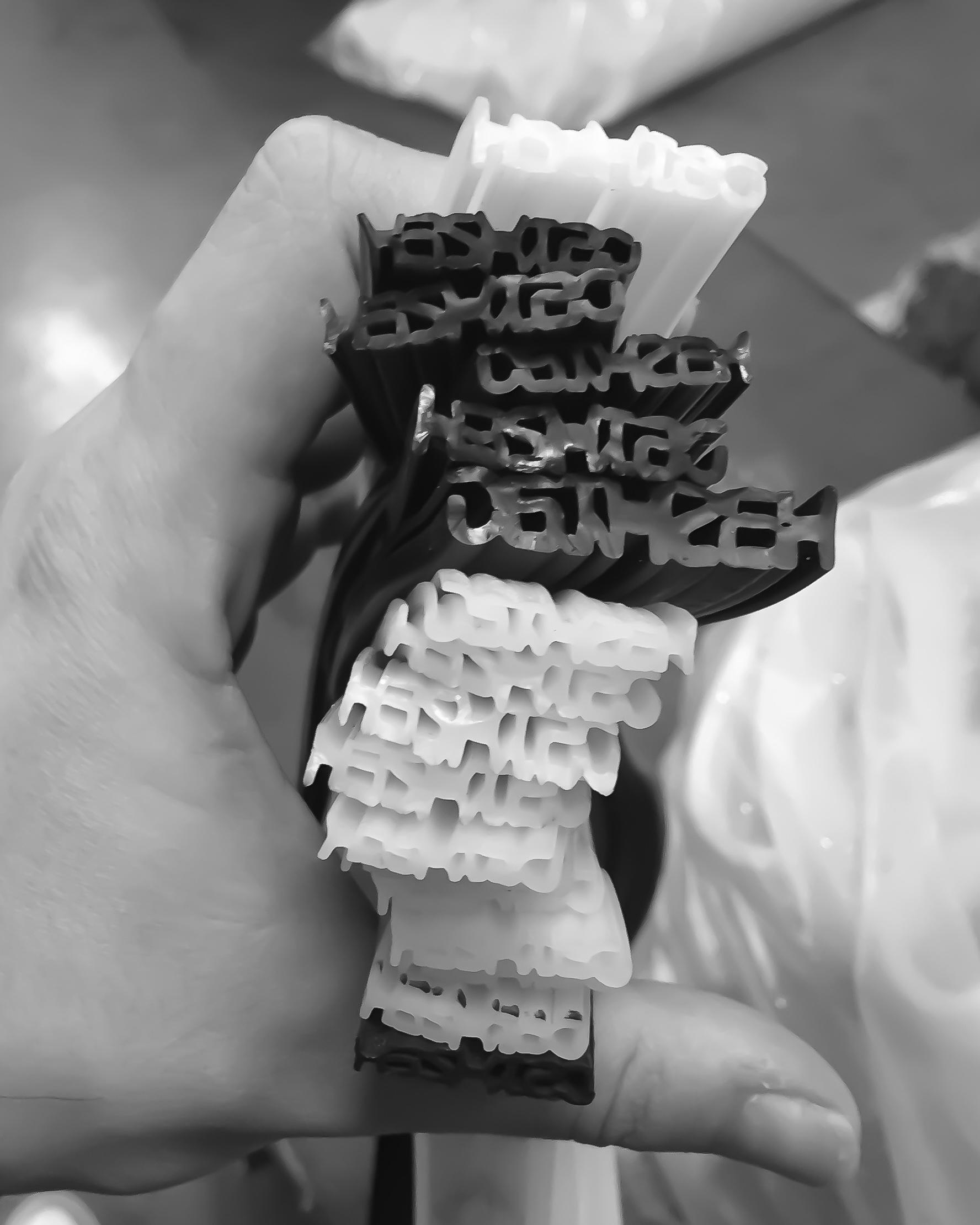 Primeros prototipos de la matriz de extrusión.
