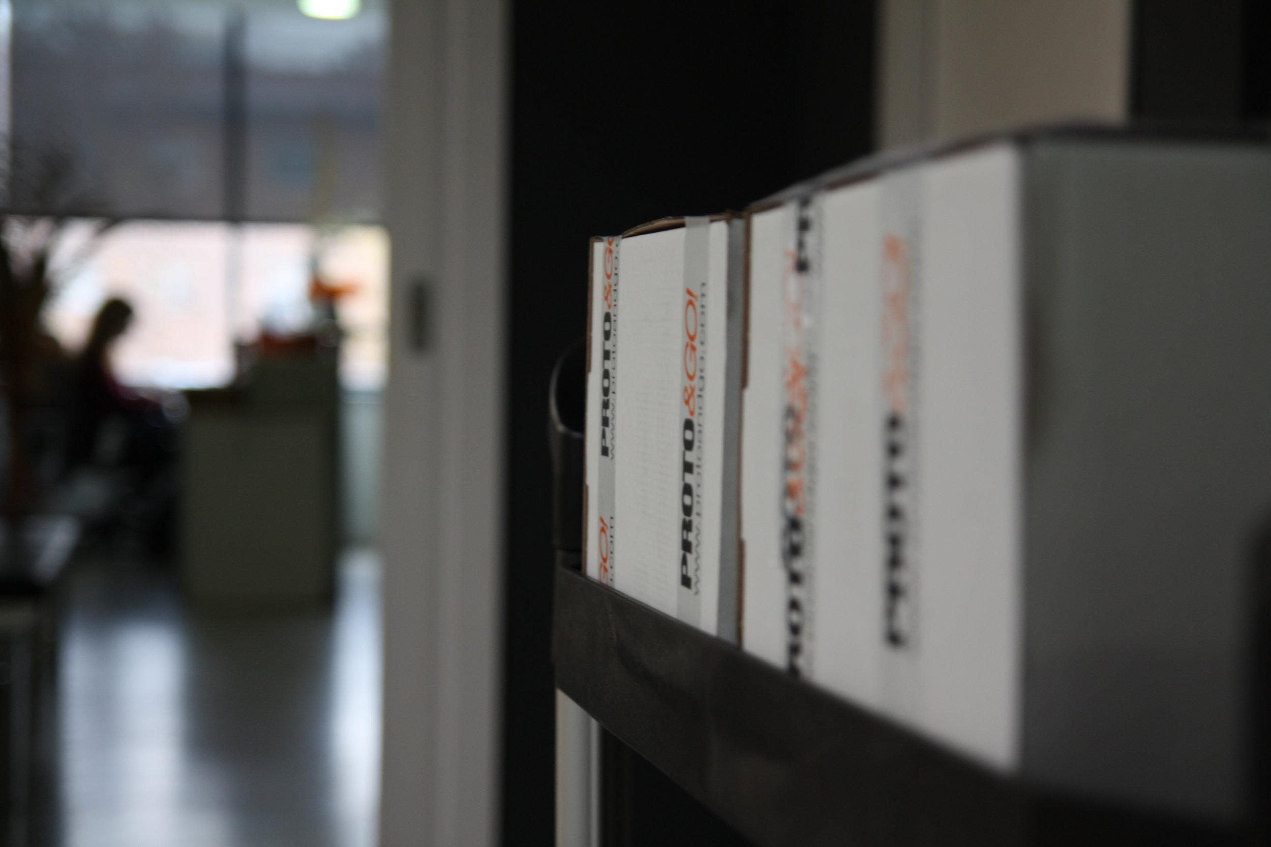 protoandgo-prototipo-mensajeria-caja.JPG