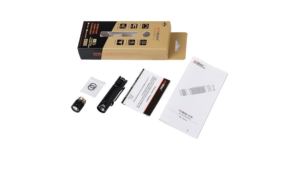 Contenu de l'emballage - Lampe M10Clip de pocheMode d'emploiCarte de garantie2 joints toriques de rechange