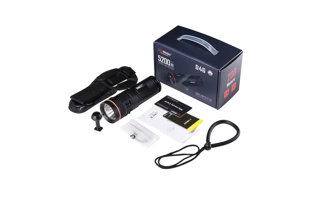 Contenu de l'emballage - Lampe D46Étui de transportDragonne spécifiqueManuel d'utilisation et carte de garantieBall arm