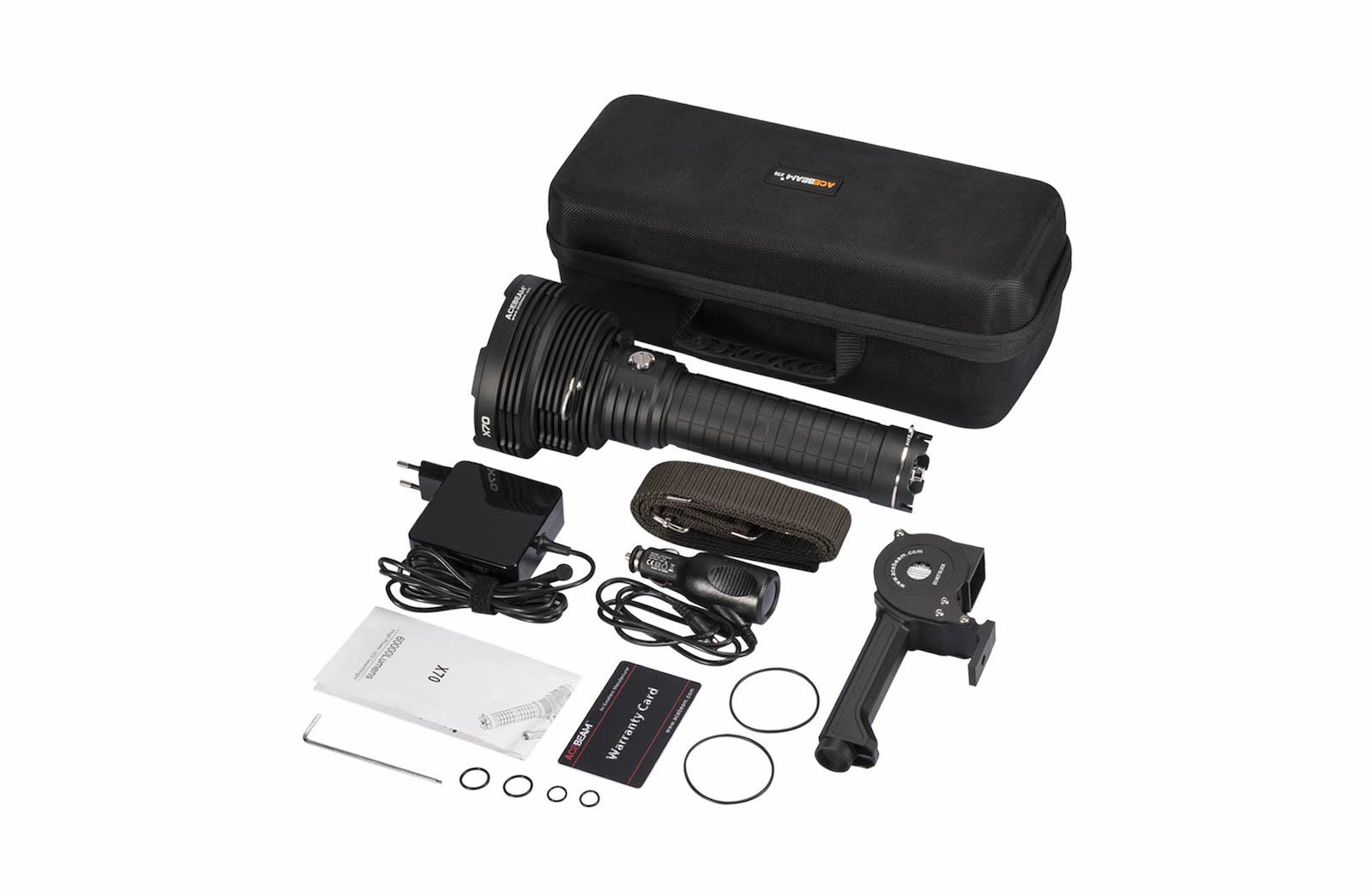 Contenu de l'emballage - Lampe X70 + Batterie AcebeamPoignée avec ventilateurChargeursSacoche et sangle de transportClé de serrageMode d'emploi et carte de garantieJoints toriques de rechange