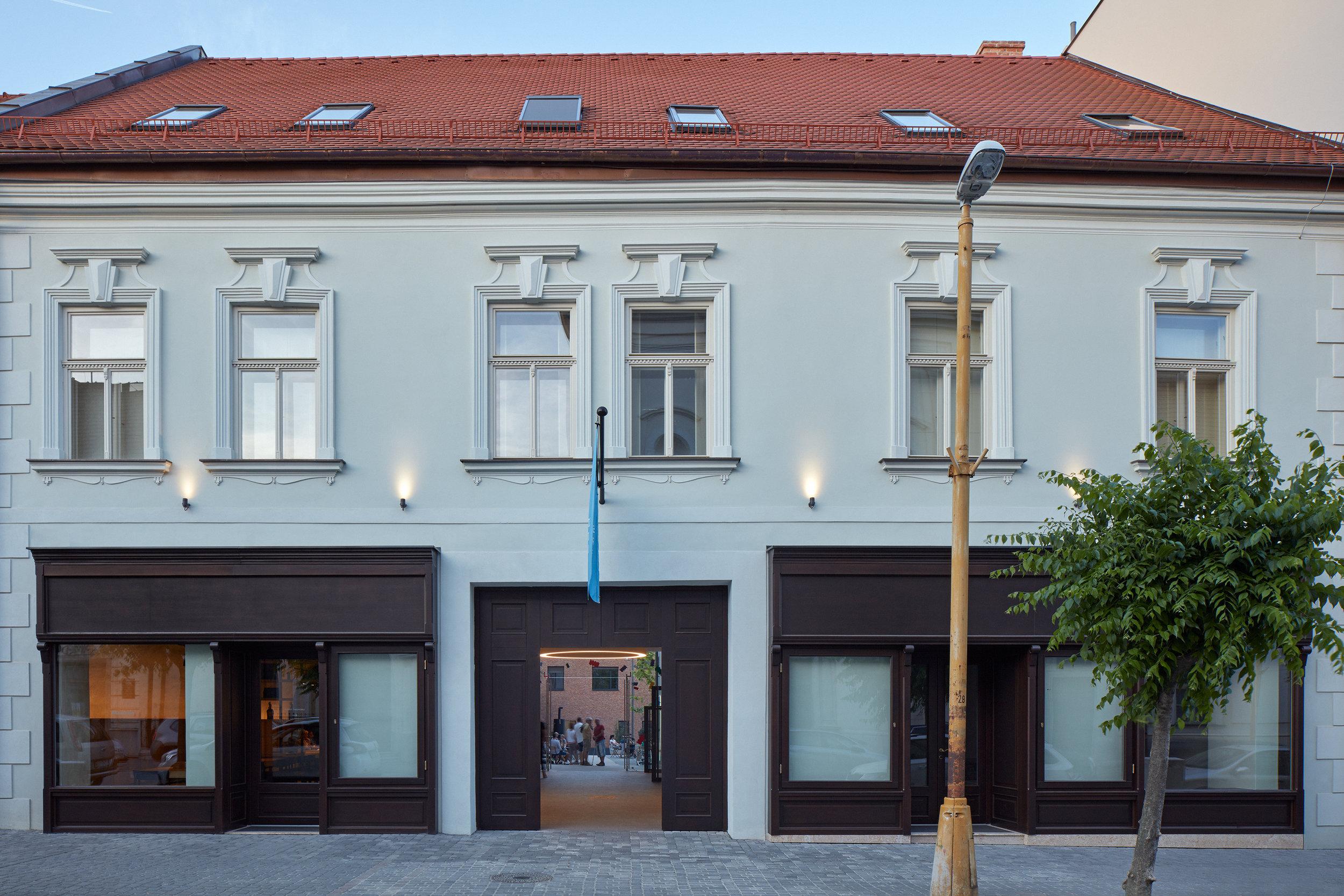 Vallo_Sadovsky_Architects_Nadvorie_BoysPlayNice_50.jpg