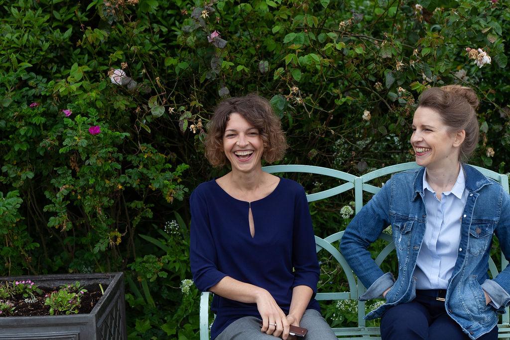 Das sind wir - Britta (l.) und Svenja (r.)  - die Gesichter hinter Klara & Ida.