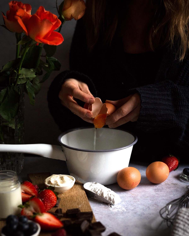 Frische Eier sind das A und O für unsere Mousse au Chocolat.