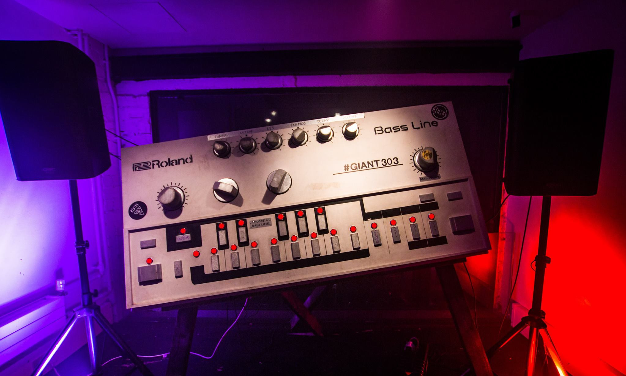 The Giant Roland 303, photo taken by Martin Windebank