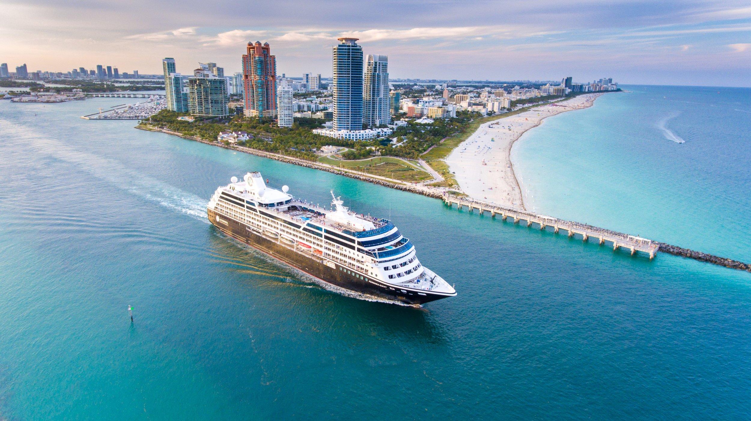 Azamara Club Cruises - Små, intima och lyxiga fartyg. Klicka här för att söka bland alla kryssningar med Azamara Cruises