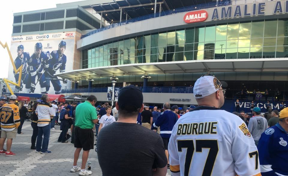 Vi var på plats när Tampa Bay Lightning mötte Boston Bruins. Amalie Arena är helt fantastisk och alltid slutsåld. Men Supreme Travel ordnar alltid biljetter. Kontakta oss! foto@jon tormodsson