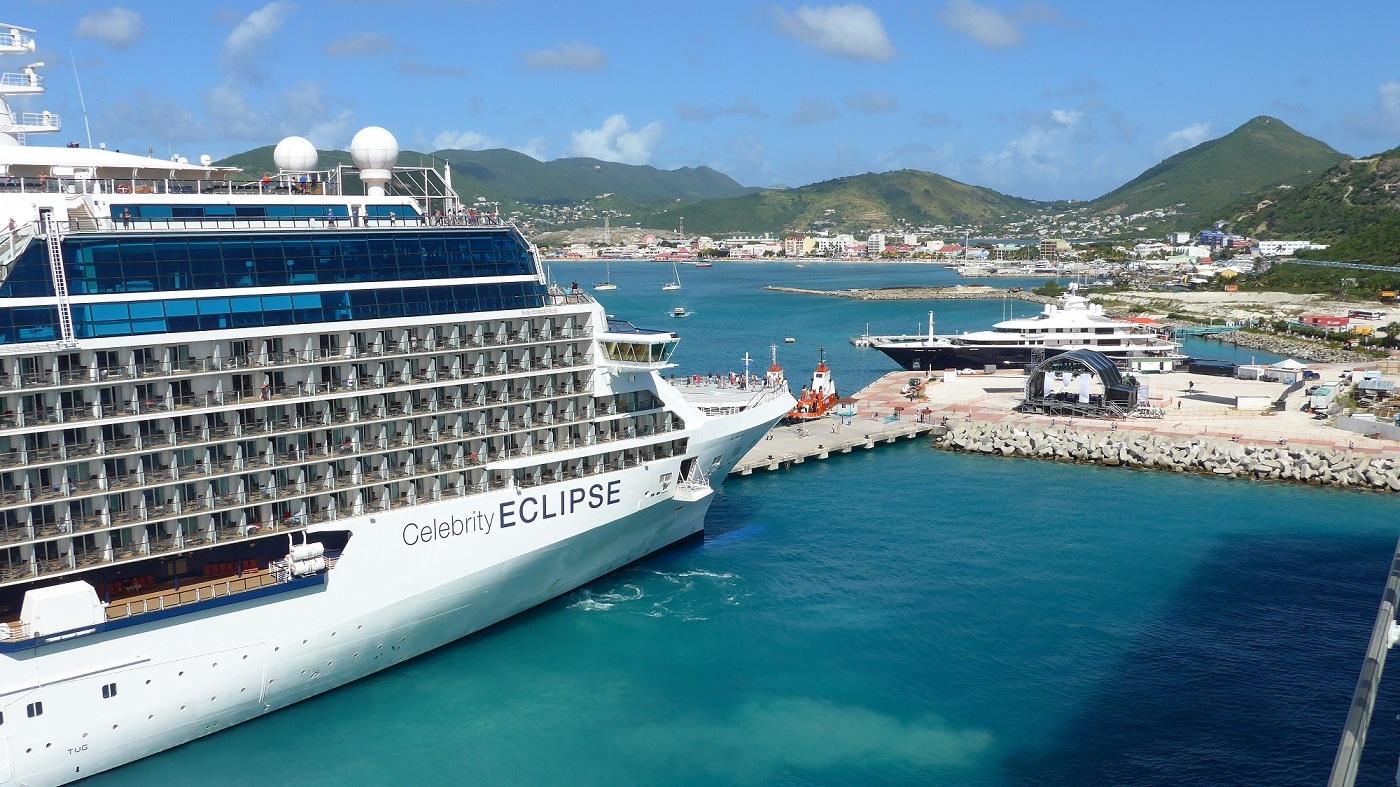 Celebrity Cruies - Lite vuxnare publik på dessa högklassiga kryssningar. Avslappad stämning ombord. Ta gärna en titt på det nya fartyget Celebrity Edge.