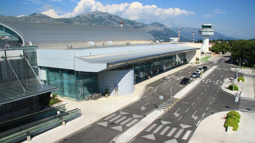 Ankomst till Dubrovnik - 16.00 Ankomst i Dubrovnik och transfer till hotellet i Becici.Busstransfer till Becici via gränskontrollen, Karasovici, mellan Krotatien och Montenegro.
