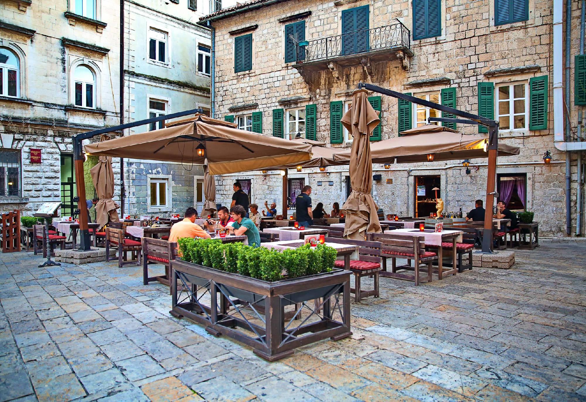 square pub.jpg