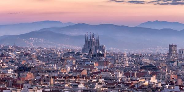 Kryssning från Barcelona - Sök din kryssning från Barcelona. Pris från 5169 kr för en veckas kryssning med helpension.
