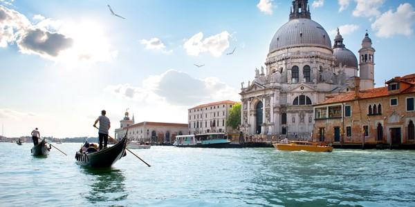 Kryssning från Venedig - Hitta din kryssning från underbara Venedig. Pris från 3990 kr per person för en veckas kryssning med helpension.