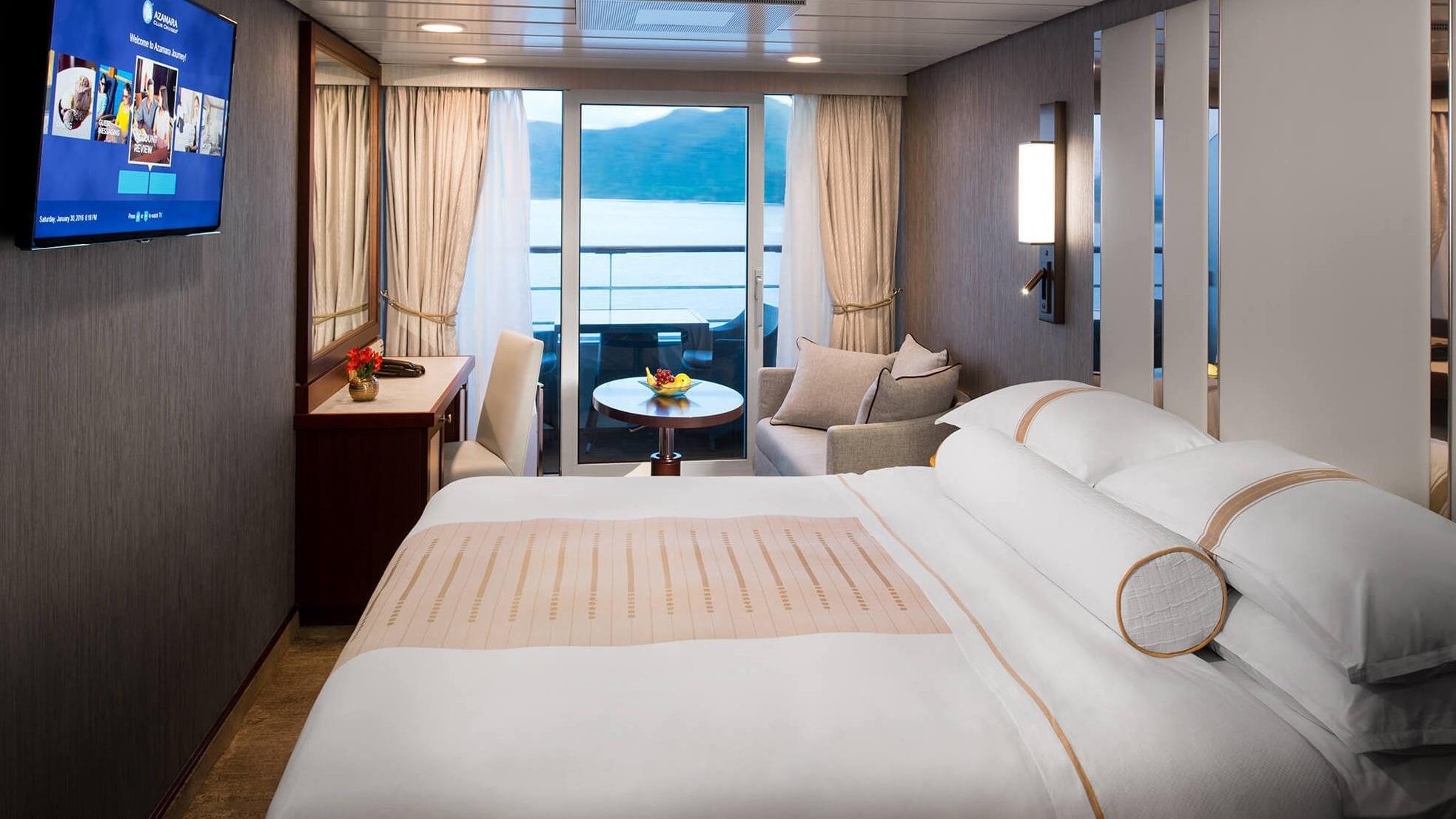 Lyxkryssning - Azamra Club Cruises är ett rederi med tre relativt små fartyg. Ombord är det endast 700 passagerare. Läs mer om våra kryssningar med Azamara Club Cruises.