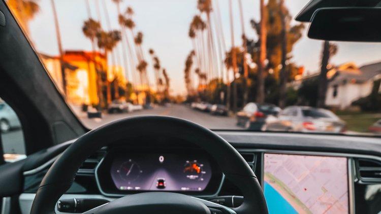 Hyrbil i Florida - Vi hjälper dig med hyrbil på din resa till Florida. Genom vårt samarbete med ALAMO har vi mycket prisvärda lösningar och bilar i alla storlekar. Självklart ingår fria mil och alla nödvändiga försäkringar.