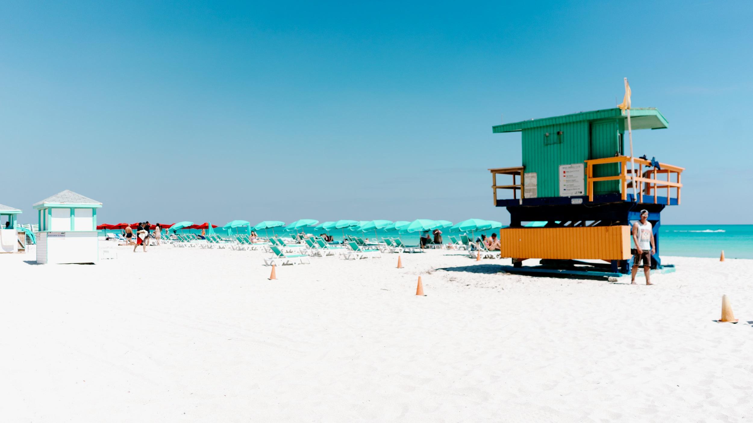 DAG 2-3 - Miami - Njut av avslappnande dagar i Miami med sol, bad och promenader på härliga South Beach. Vi hjälper till med NHL, NFL, NBA biljetter, hyrbilsbokning och utflykter till Everglades mm.