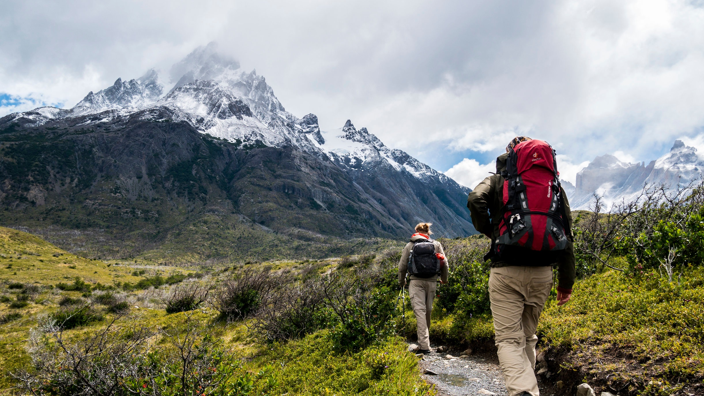 Bergsvandring - En möjlighet till att verkligen ta in det bästa Alaska har att erbjuda är att utnyttja någon eller flera av stadens vandringsleder. Ta dig fram i oslagbar natur kring berg, vattenfall och ett fantastiskt djurliv.