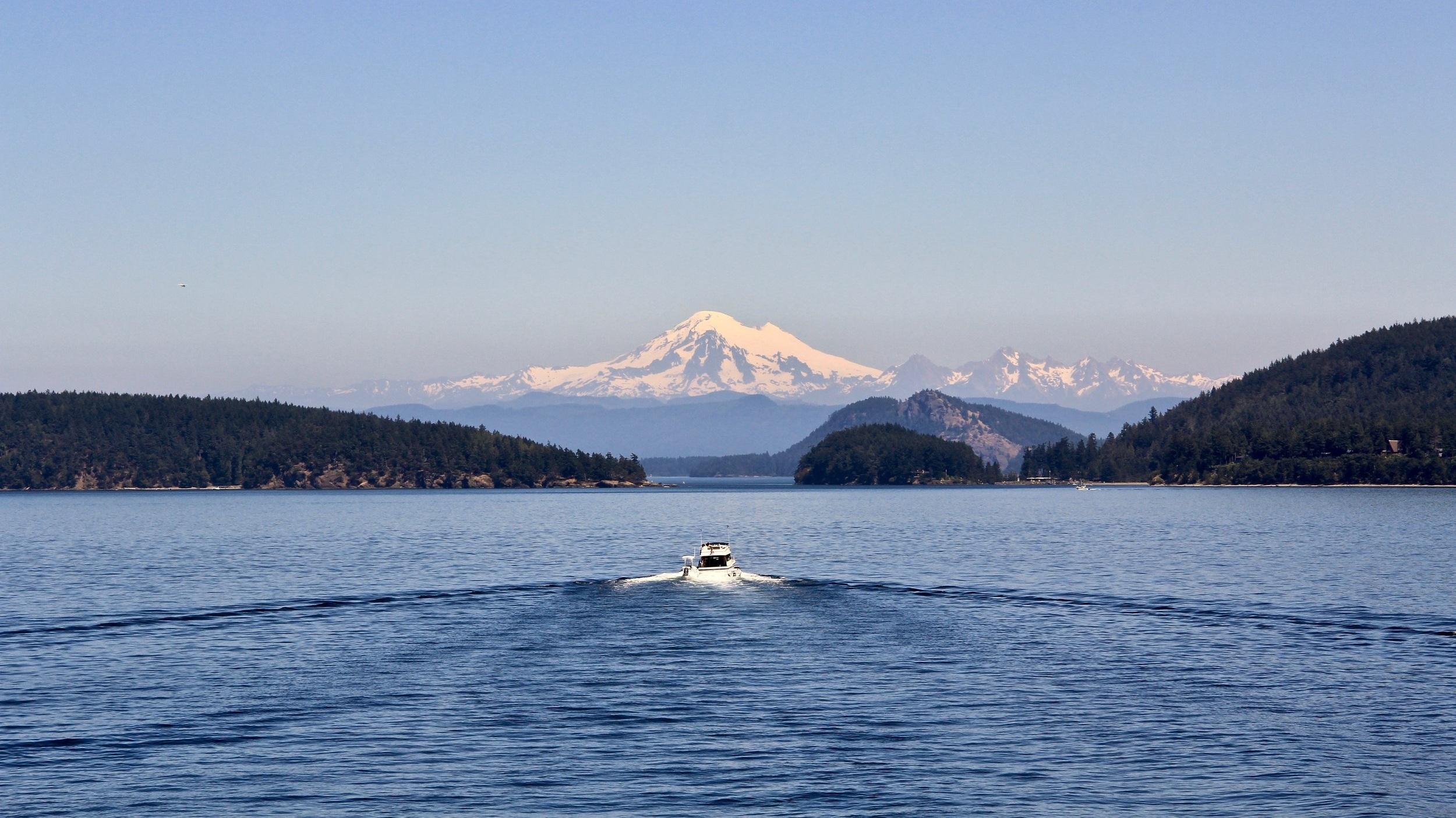 Scenic tour of Seattle - Seattle har en natur i absolut världsklass och med den här guidade turen på 2,5 timmar får du chansen att uppleva ett axplock av det bästa staden kan stoltsera med enligt stadens lokalbefolkning - både via båt och buss.