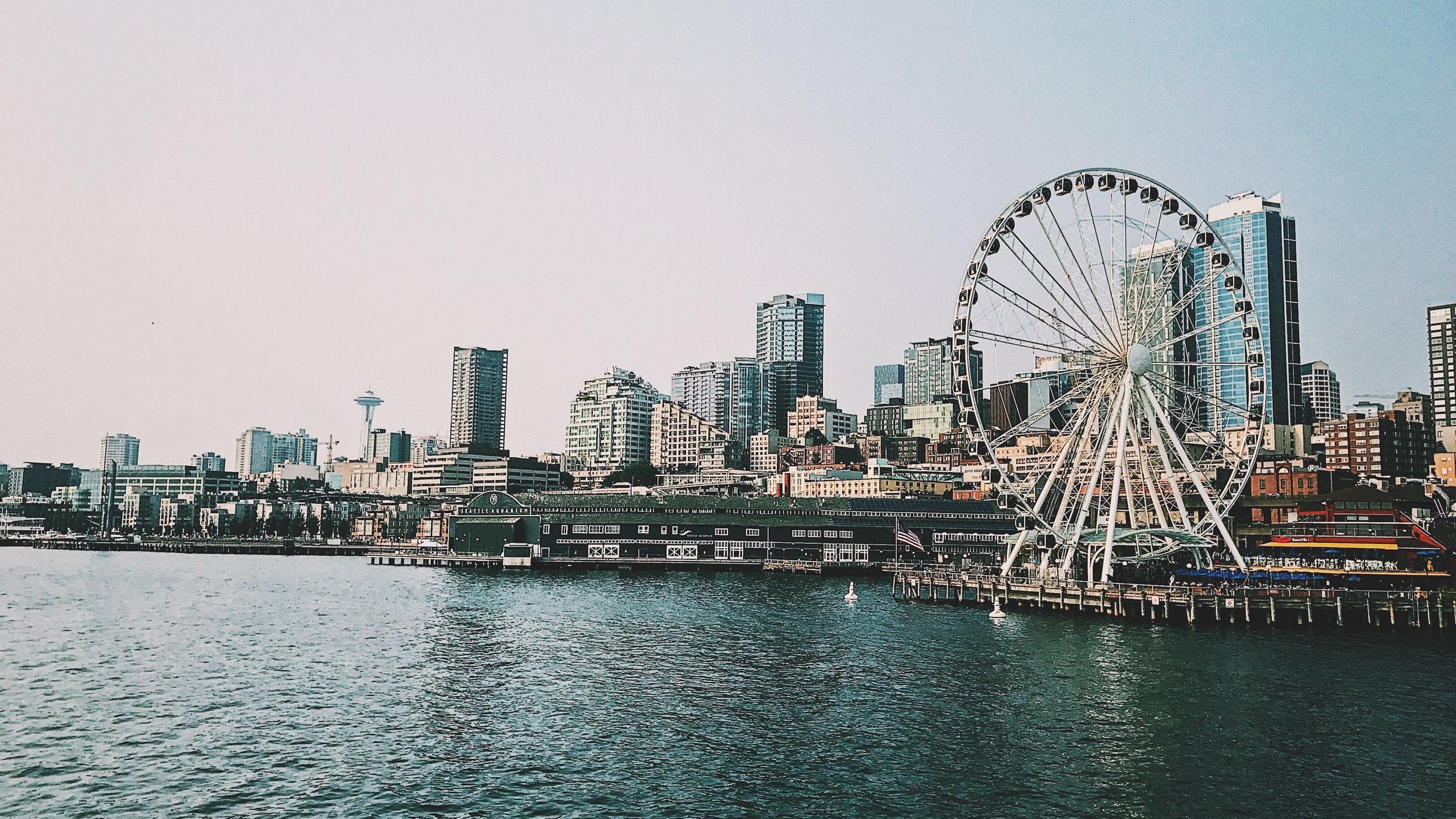 Sunset Seattle Tour - Tro dina ögon när du ser solen gå ned över staden. Under två timmar får du uppleva det bästa Seattle har att erbjuda kvällstid med besök på bland annat Alki Beach, The Kerry Park Overllok och The Seattle Waterfront.