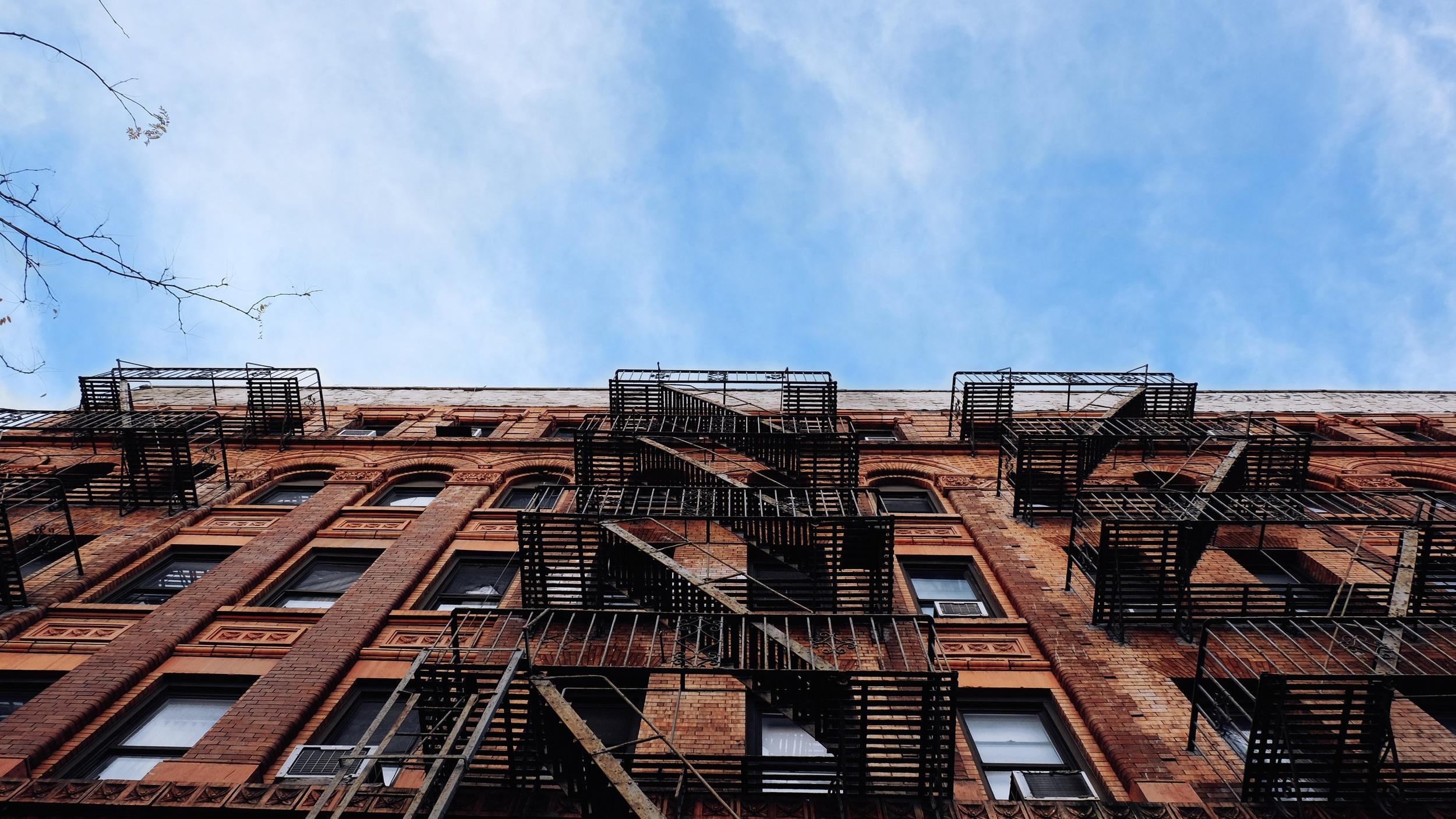 DAG 4 - Börja utforska New York på egen hand. I resans pris ingår ett busspass för dubbeldäckarna i staden. Det är en så kallad Hop on/Hop off-buss där du under 72 timmar kan hoppa på och av precis som du vill i tre olika rutter. Ett mycket smidigt sätt att se så mycket som möjligt av New York och Brooklyn.