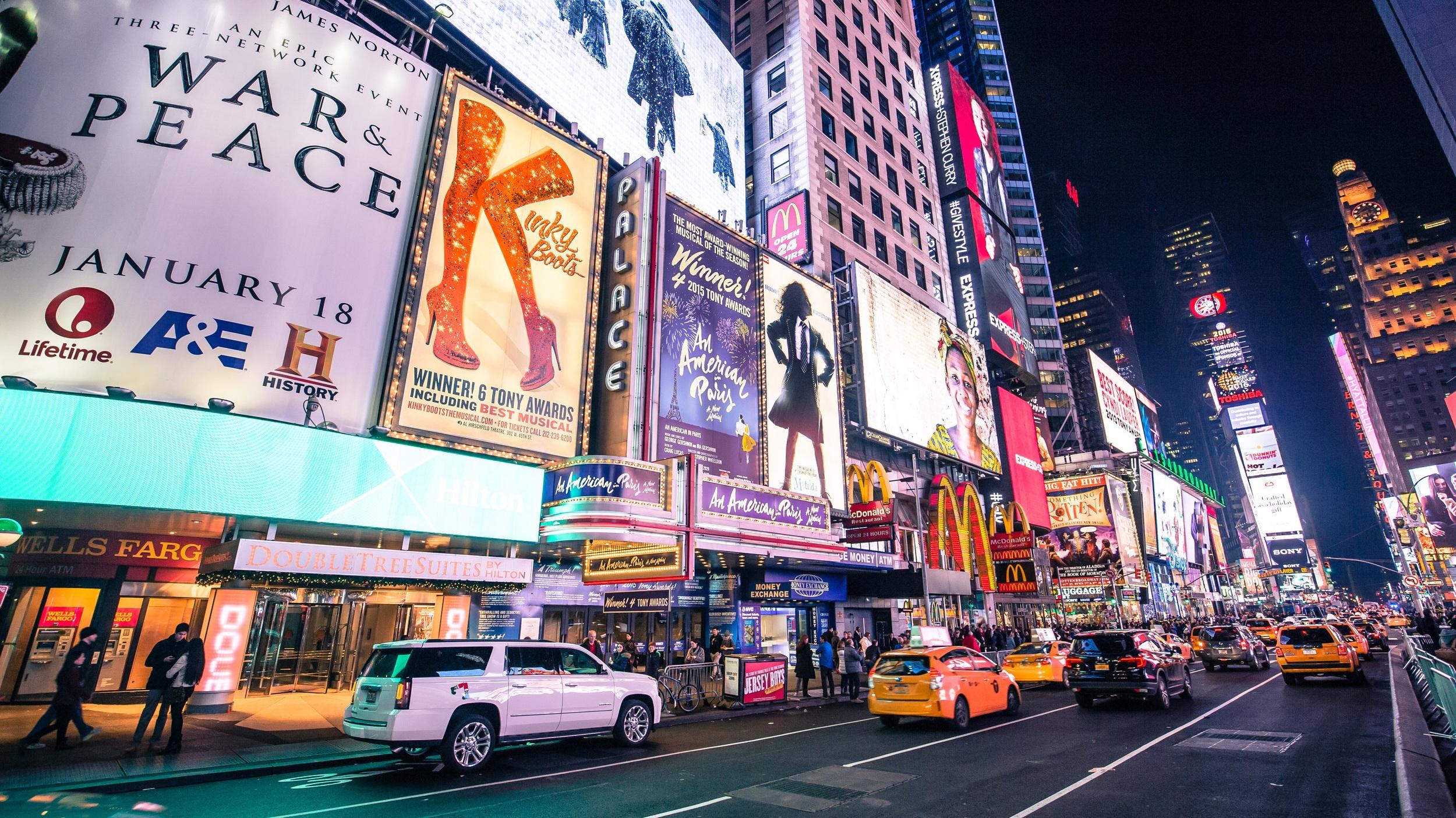 DAG 3 - Broadwaymusikal. I resans pris ingår en valfri föreställning på Broadway (Observera att detta lätt kan bytas mot en NHL eller NBA-match om så önskas). Vi behöver veta cirka 30 dagar före avresa vilken förställning som önskas. Observera att föreställningen inte nödvändigtvis behöver vara på dag 3 - du väljer.