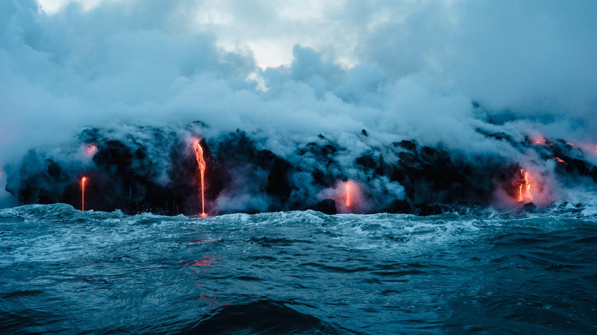 Diamond Head - Ett av Hawaiis kändaste landmärke är den enorma kratern Diamond Head som ligger på ön Oahu utanför Waikiki. Platsen är ett världsarv och lockar massor av turister. Platsen är också känd för vandrare och för den som tar sig upp väntar en helt sagolik utsikt över Stilla Havet.
