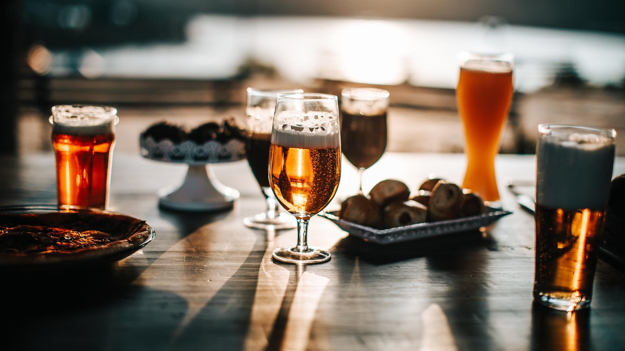 I Kanada är öl omåttligt populärt  och det finns en hel drös med mikrobryggerier i och runt staden Montreal. Molson och Labatts är landets två största bryggerier och de mest säljande ölsorterna. En utflykt till ett av bryggerierna kan vara ett bra tillskott på din resa till Montreal.