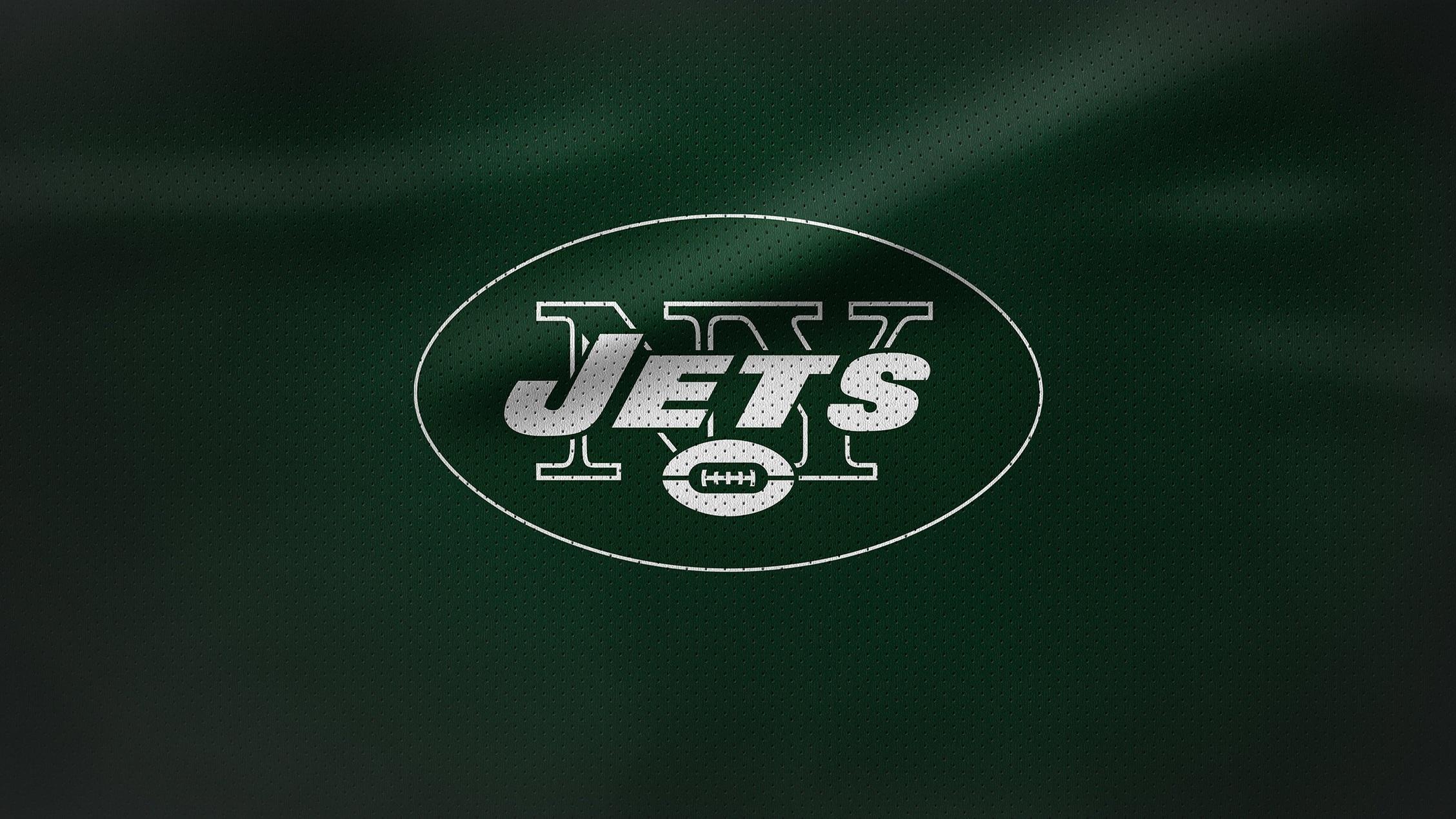 Rivalmöten - Pittsburgh Steelers är en naturlig rival för Eagles med tanke på att båda klubbarna återfinns i Pennsylvania. Philadelphia har även stor rivalitet med Dallas Cowboys och New York Giants som tillhört samma division sedan 1933. Rivaliteten med Giants är en av de äldsta i NFL.
